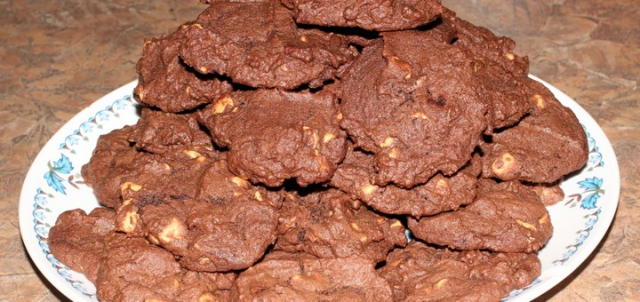 Chocolate Peanut Butter Chip Cookies-007