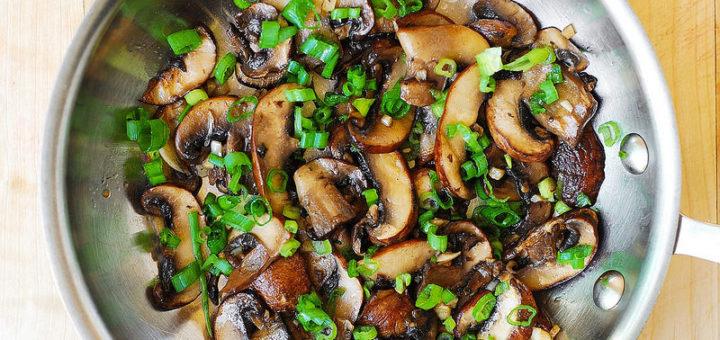 Mushroom and Garlic Saute